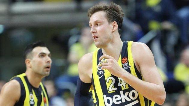 Basketbalisté Fenerbahce s Janem Veselým nenavážou v Evropské lize na tři předchozí finálové účasti