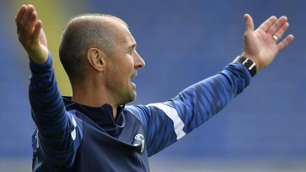 Trenér Slovanu Liberec Miroslav Holeňák.