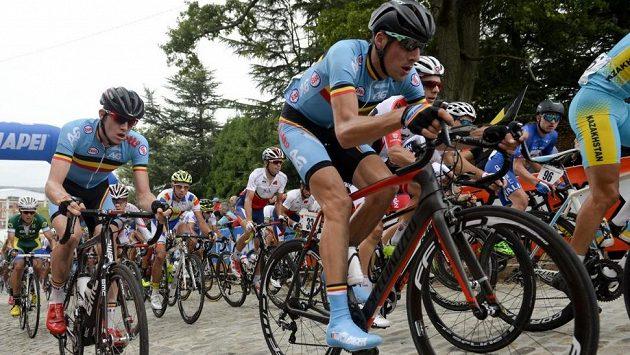 Belgický cyklista Daan Myngheer v závodu jezdců do 23 let na loňském světovém šampionátu v Richmondu.
