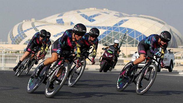 Canyon Sram Racing na trati mistrovské časovky v Dauhá.