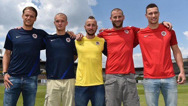 Letní posily Sparty Praha (zleva): Radoslav Kováč, Martin Nešpor, Michal Breznaník, David Bičík a Marek Štěch.