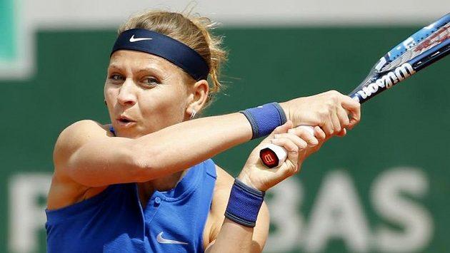 Lucie Šafářová si zahraje na největším kurtu.