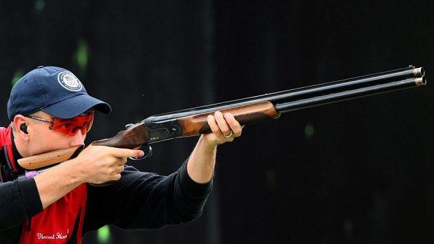 Americký střelec Vincent Hancock na archivním snímku.