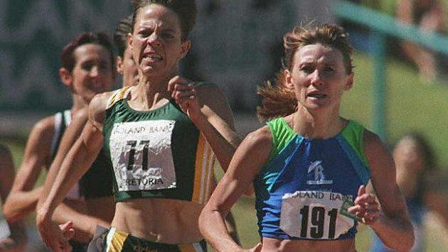Larisa Mikhaylova (s číslem 191) v době, kdy ještě sama závodila.
