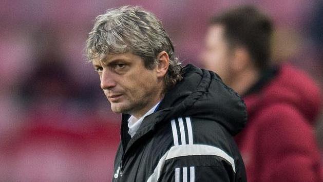Trenér Karviné Jozef Weber během utkání na Spartě.