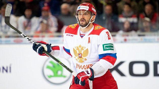 Útočník Alexandr Ovečkin v dresu Ruska.