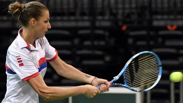 Tenistka Karolína Plíšková trénovala před víkendovým zápasem 1. kola Fed Cupu se Švýcarskem.