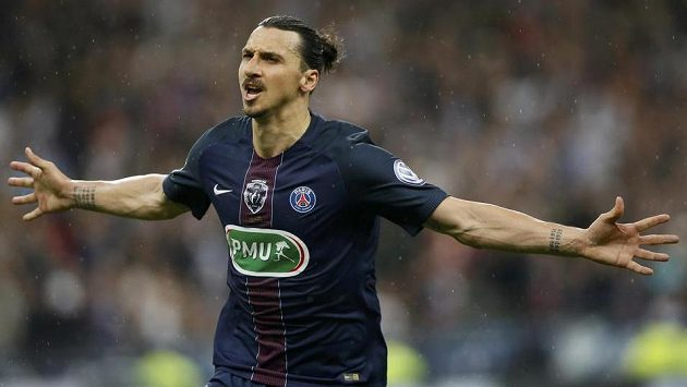 Zlatan Ibrahimovic se raduje ještě ve finále Francouzského poháru v dresu Paris SG.