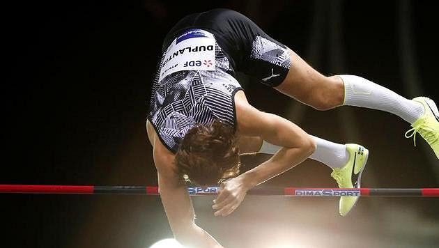 Armand Duplantis tentokrát světový rekord nepřekonal
