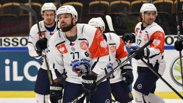 Gólová radost hokejistů Plzně v Lize mistrů - vpředu kapitán týmu Milan Gulaš.