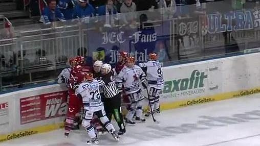 Pivní útok na hokejiv Německu