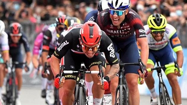 Caleb Ewan si v sedmé etapě dospurtoval pro druhé vítězství na letošním Giru d'Italia