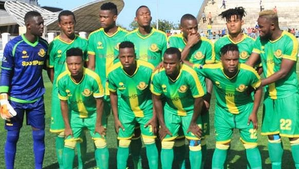 Fotbalový tým Young Africans je bez trenéra.