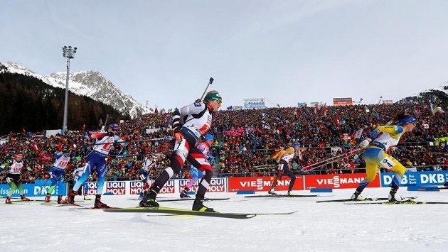 Start závodu smíšených štafet v Anterselvě, ilustrační foto.