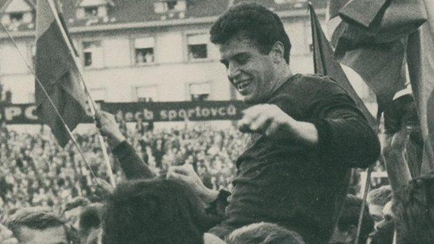Zemřel bývalý brankář fotbalové Sparty Antonín Kramerius.
