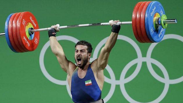 Íránský vzpěrač Kianúš Rostamí vyhrál na olympijských hrách váhovou kategorii do 85 kg.