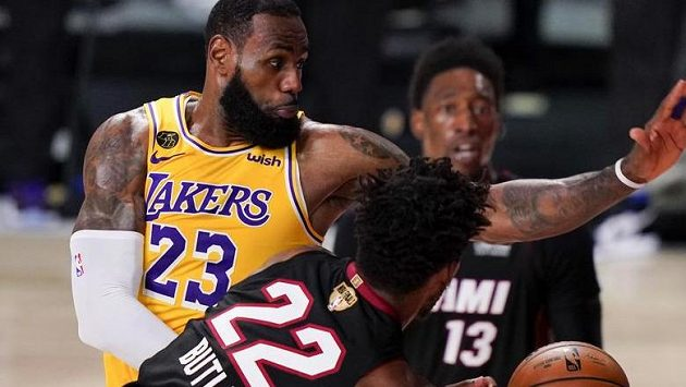 Basketbalisté LA Lakers jsou jednu výhru od triumfu