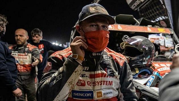 Tomáš Enge v cíli první etapy Rallye Dakar.