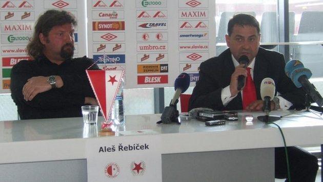 Majitel fotbalové Slavie Aleš Řebíček (vlevo) a bývalý generální ředitel Zbyněk Kusý.