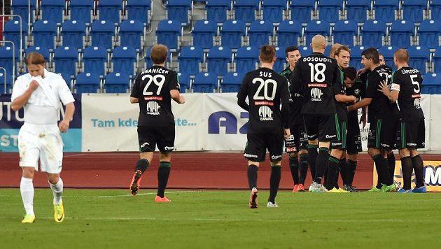 Příbramští hráči se radují z gólu proti Ostravě.