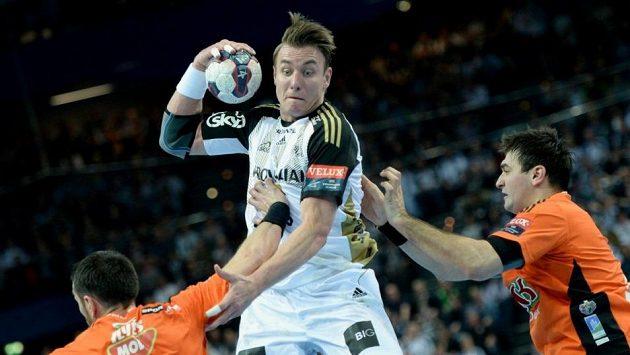 Filip Jícha chtěl v Kielu zakončit kariéru, teď však spoléhá na to, že německý klub přijme nabídku Barcelony.