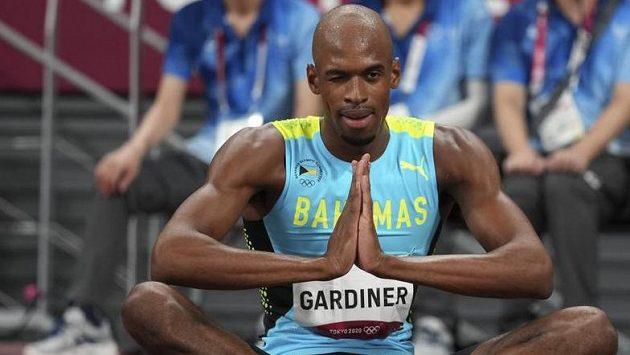 Olympijské finále v běhu na 400 metrů vyhrál v Tokiu mistr světa Steven Gardiner z Baham