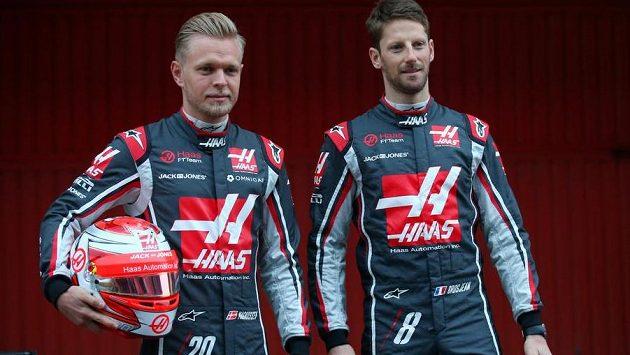 Romain Grosjean a Kevin Magnussen pokračují ve stáji Haas.