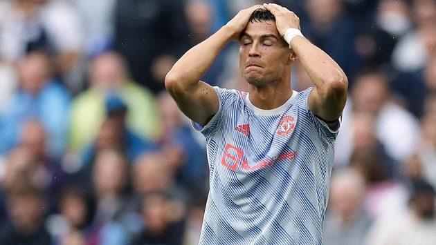 Cristiano Ronaldo naletěl podvodnici. A nebyl sám...