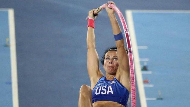 Tyčkařka Suhrová na další medaili nedosáhla, skákala nemocná.
