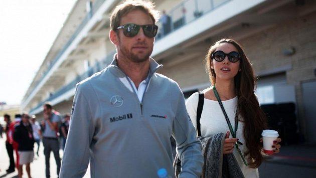 Bývalý mistr světa formule 1 Jenson Button se svojí dnes již manželkou Jessicou Michibataovou.