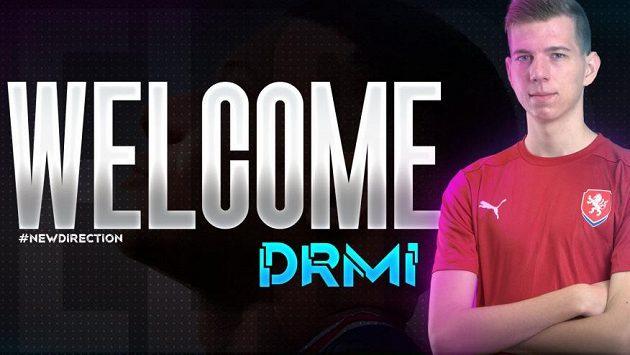 """Esportový hráč FIFA Michal """"DRMi10"""" Drastich se stává novou posilou organizace Cryptova."""
