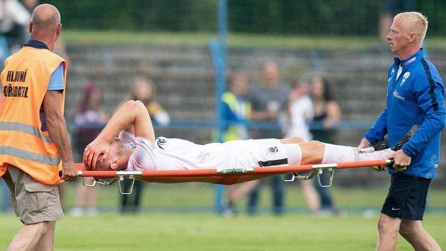 Zraněný Uroš Radakovič ze Sparty během přípravného utkání v Benešově.