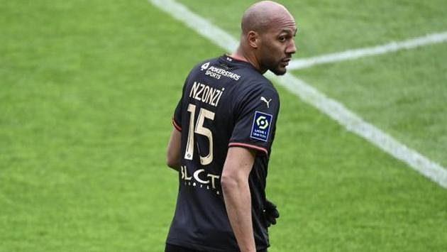 Fotbalový mistr světa Steven Nzonzi je další velkou posilou katarského Rajánu.