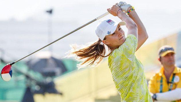 Klára Spilková během prvního kola olympijského turnaje v golfu.