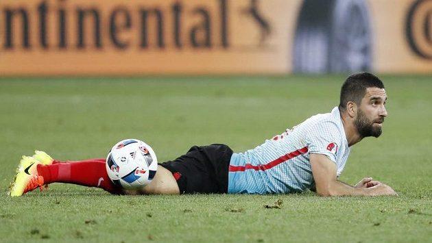 Turecký záložník Arda Turan během utkání na ME proti Španělsku.