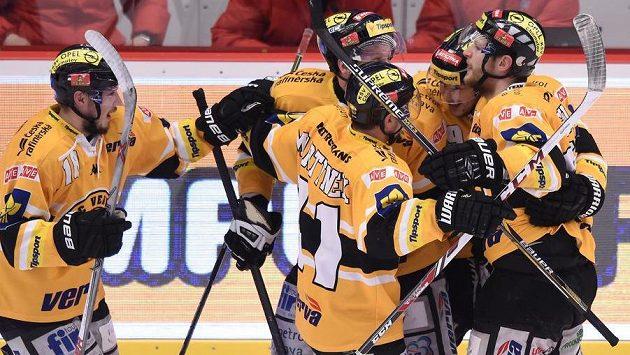 Radost hokejistů Litvínova ve finálové sérii.