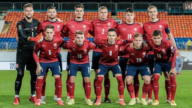 Český tým před zápasem s Běloruskem v Kazani.