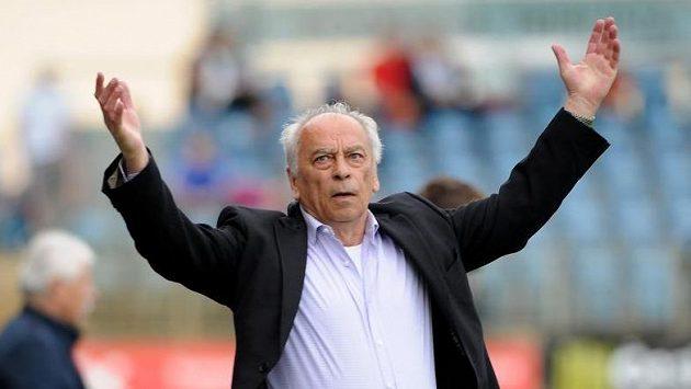 Trenér Budějovic František Cipro při utkání s Hradcem.