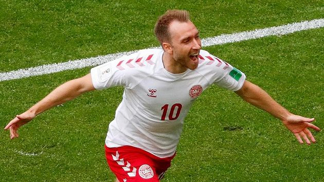 Dán Christian Eriksen jásá poté, co dal gól Australanům.