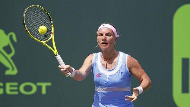 Ruska Světlana Kuzněcovová při utkání se Serenou Williamsovou z USA v osmifinále v Miami.