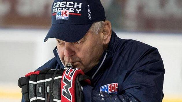 Trenér Vladimír Vůjtek během tréninku hokejové reprezentace.