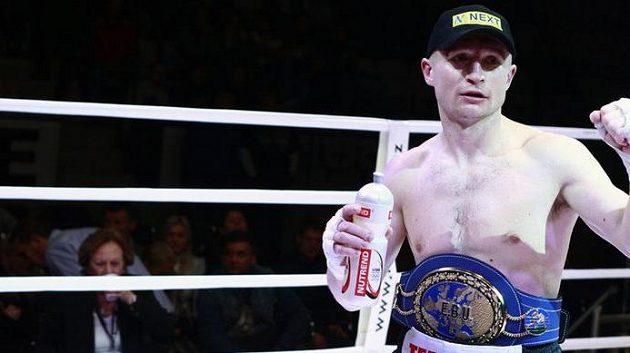 Boxer Lukáš Konečný o pás mistra světa zatím bojovat nebude