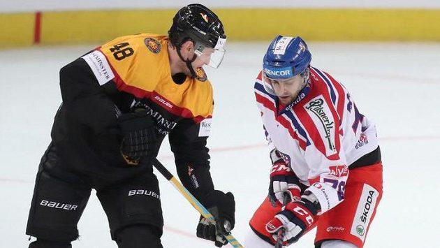 Německé hokejisty posílí z NHL brankář Greiss a obránce Seidenberg.