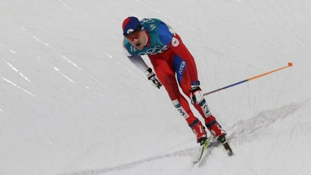 Sdruženář Miroslav Dvořák v běžecké části úvodního olympijského závodu.
