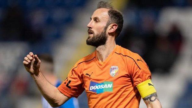 Kapitán fotbalové Viktorie Plzeň Roman Hubník během utkání v Liberci.