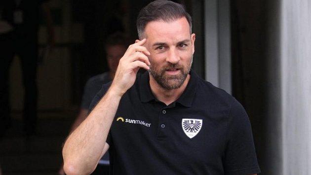 Bývalý německý fotbalový reprezentant Christoph Metzelder je podezřelý z šíření dětské pornografie.