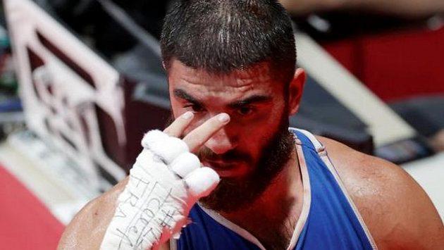 Francouzský boxer Mourad Aliev