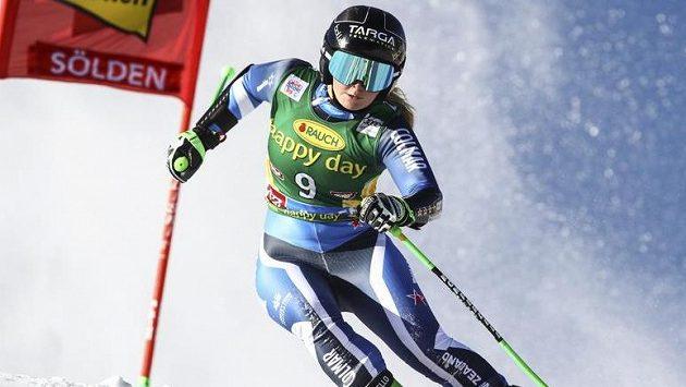 První vítězkou sezony Světového poháru lyžařek se v obřím slalomu v Söldenu překvapivě stala sedmnáctiletá Novozélanďanka Alice Robinsonová