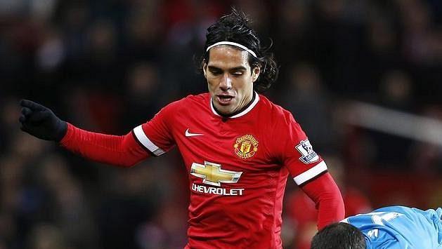 Kolumbijský útočník Radamel Falcao (9) musí o svou pozici v Manchesteru United tvrdě bojovat.