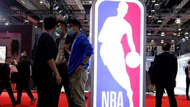 Každý klub NBA dostane od vedení ligy 30 milionů dolarů